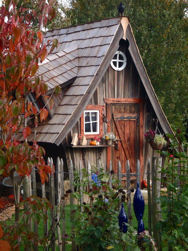 Location cabanes en bois atypiques camping entre terre for Cabane exterieur