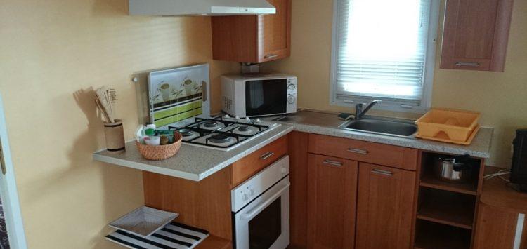 Mobil-home gamme confort cuisine camping morbihan
