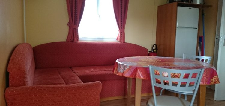 Mobil-home gamme confort salon camping morbihan